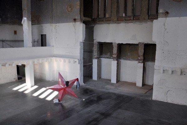 Nová synagóga v Žiline je už pripravená pre kresby Dana Perjovschého. Vernisáž, ktorá bude súčasne i diskusiou o aktuálnych témach, je budúci štvrtok.