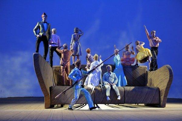Predstavením Bez názvu č. 1 berlínskeho divadla Volksbuhne sa zajtra začne festival Divadelná Nitra, potrvá do 1. októbra. Viac nájdete na stránke festivalu nitrafest.sk.