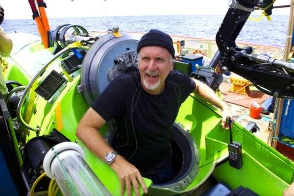 James Cameron sa ponoril na dno Mariánskej priekopy v roku 2012, dokument Deepsea Challenge o jeho misii je práve v amerických kinách.