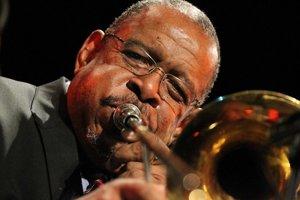 Fred Wesley (70) americký trombónista.