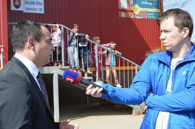 Pollák plánuje pokračovať v prednášaní na vysokej škole, bude sa tiež venovať rómskej problematike a práci v teréne.