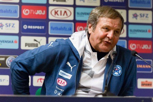 Tréner slovenskej reprezentácie zhmotnil svoje zážitky a myšlienky nielen z futbalového prostredia vo svojej biografii.