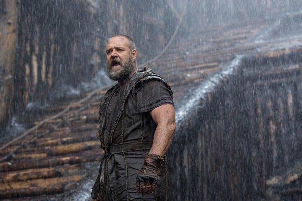 Russell Crowe má Oscara za úlohu vo filme Gladiátor, tentoraz hral nahnevaného Noema.