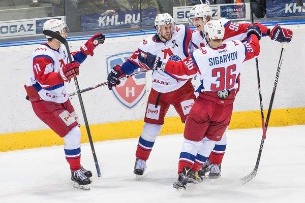 Hokejisti Lokomotivu Jarosľavl vyhrali na domácom ľade nad Chabarovskom za tri body.