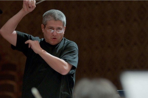 Dnes je skladateľ, dirigent, sólista aj aranžér.