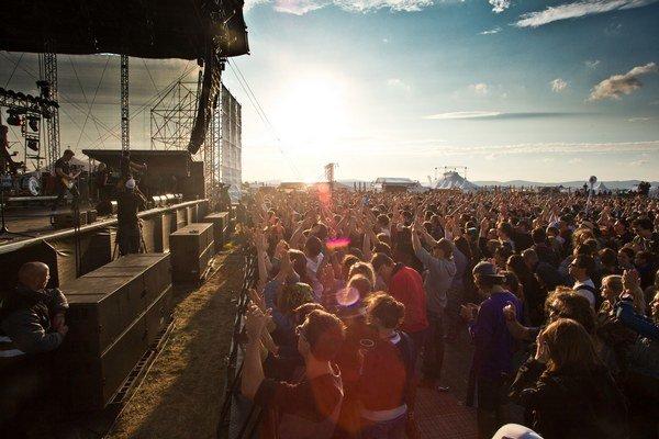 Piatkové búrky v sobotu vystriedalo počasie, ktoré je snom každého festivalu - slnečno, no nie horúco.