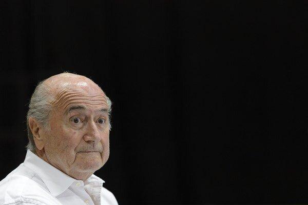 Sepp Blatter skončil v nemocnici pre kolaps vyvolaný stresom.