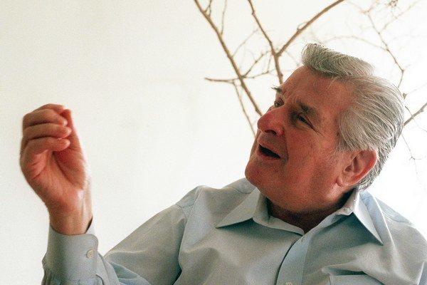 Sida Bernsteina prezývali aj Otec britskej hudobnej invázie.
