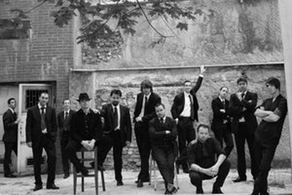 Aktuálna zostava Swing Society Orchestra.