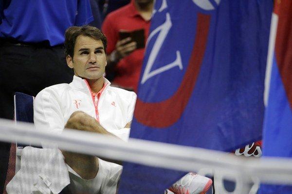 Po finálovej prehre bolo na Federerovi badať sklamanie. V poradí 18. grandslamový titul bol blízko.