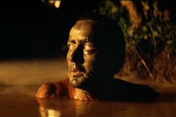 Martin Sheen prijal úlohu, ktorú nikto nechcel hrať. Tragédiu vojny mal vystihnúť len tým, že sa pozerá okolo seba.