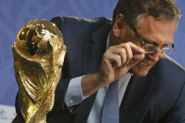 Generálny sekretár FIFA Jérome Valcke skončí spoločne so Seppom Blatterom.