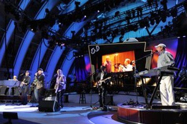 Na novom albume Beach Boys spievajú o obvyklých veciach - slnku, oceáne, prázdninách.