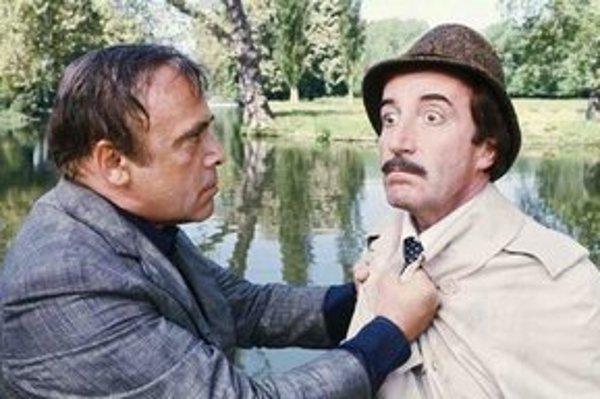 Herbert Lom (vľavo) a Peter Sellers vo filme Ružový panter opäť zasahuje (1976).