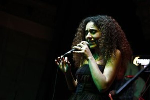 Turecká speváčka Elif Caglar môže byť čiernym koňom tohtoročného programu.