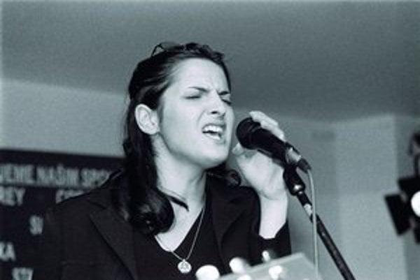 V roku 1999 Jana Kirchner prerazila s album V cudzom meste.