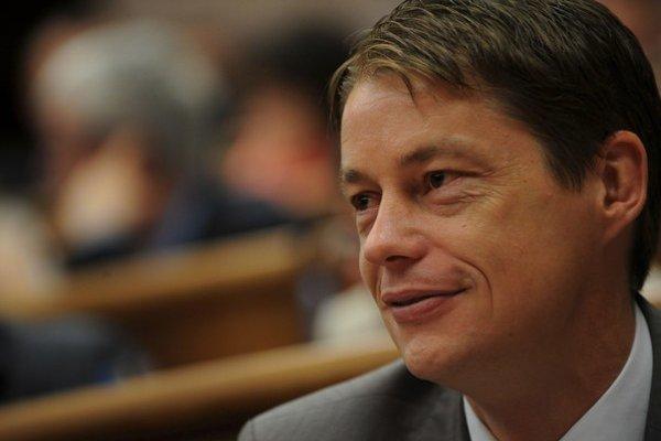 Ľuboš Micheľ je bývalým uznávaným medzinárodným rozhodcom.