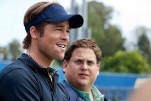 Baseballový manažér (Brad Pitt) a nenápadný mozog (Jonah Hill) našli nový systém, ako vyhrávať.