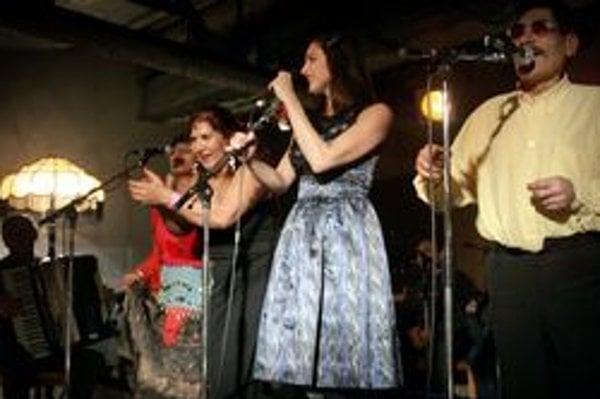 Spojenie starej rómskej kultúry, klasických hudobníkov a známej speváčky zafungovalo.