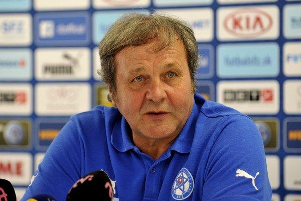 Tréner futbalovej reprezentácie Ján Kozák.