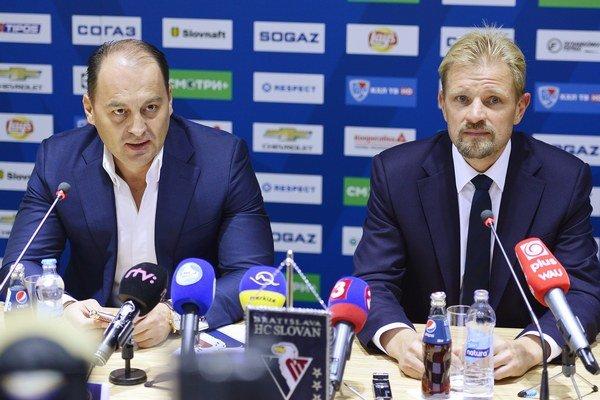 Maroš Krajči (vľavo) zatiaľ médiám nič konkrétne nepotvrdil.