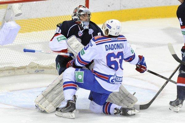 Domáci tím gólovo potiahol najmä Jevgenij Dadonov.