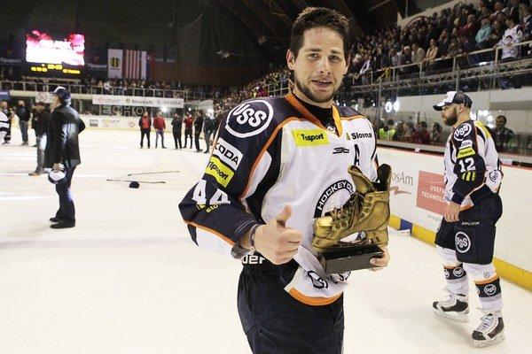 Gabriel Spilar s ocenením Zlatá korčuľa.