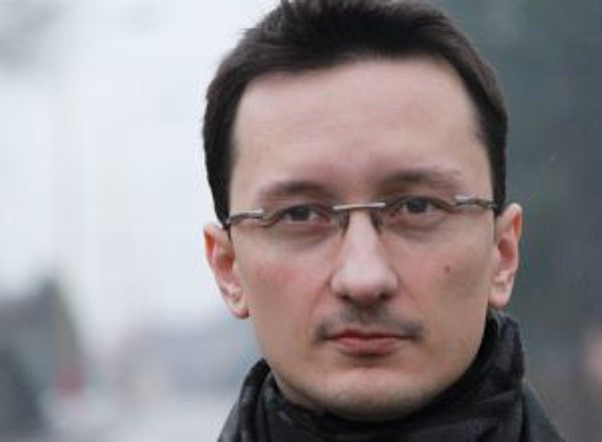 c23e00aeec27 Narodil sa v roku 1980 v Ružomberku. Vyštudoval históriu a filozofiu na UMB  Banská Bystrica