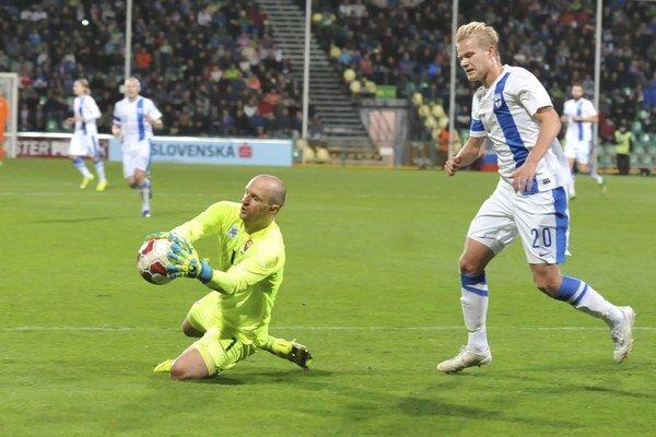 Ján Mucha chytal v novembri aj za reprezentačný výber Slovenska v stretnutí proti Fínsku.