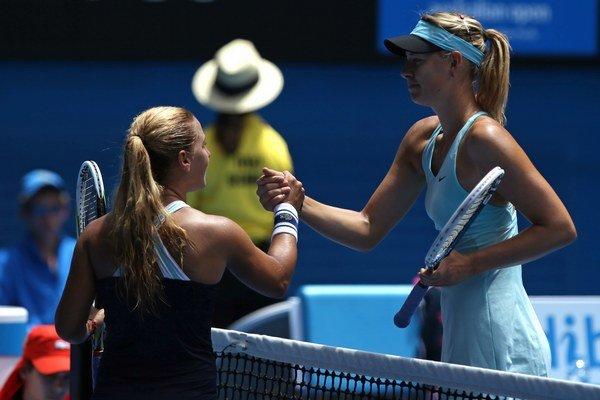 Pred rokom vyradila na Australian Open v osemfinále Dominika Cibulková Mariu Šarapovovú.