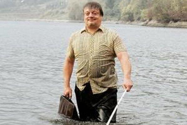 Film Juraja Lehotského Slepé lásky uspel na festivale v Cannes. Potom ho odvysielala Česká aj Maďarská televízia. V Slovenskej televízii  producenti nepochodili.
