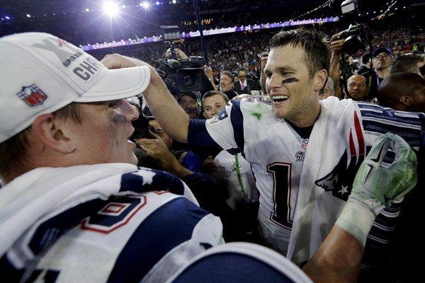 Tohtoročný Super Bowl vyhrali New England Patriots. Najužitočnejším hráčom sa stal Tom Brady (vpravo).