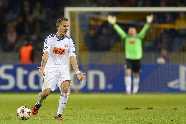 Erik Grendel hráva naposledy za Slovan Bratislava. Na jar s ním však klub už nepočítal, preto prestúpil do Poľska.