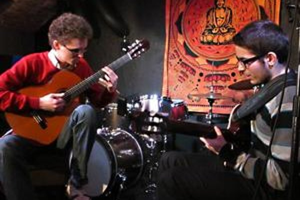 Naozaj mimoriadnym prekvapením bolo gitarové duo Duo Nikolas Béreš a Šimon Švidraň zo Žiliny a Liptovského Mikuláša.