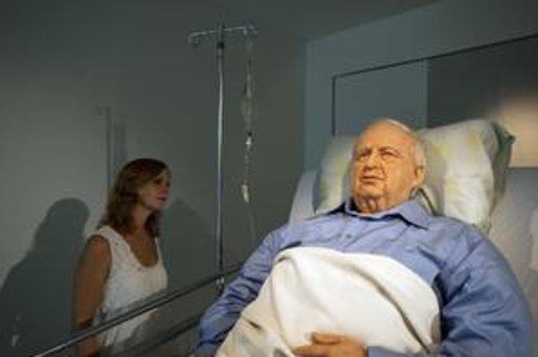 Socha Ariela Šarona vyzerá veľmi realisticky.