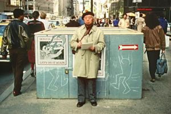Neznámy návštevník New Yorku začiatkom osemdesiatych rokov netuší, že stojí pred kresbami Kietha Haringa.