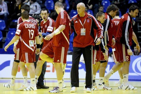 Slovenskí hádzanári odohrajú dva prípravné zápasy v Grécku.
