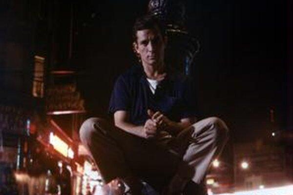 Jack Kerouac (1922 – 1969) v New Yorku v októbri 1958 po krste  knihy Dharmovi tuláci.