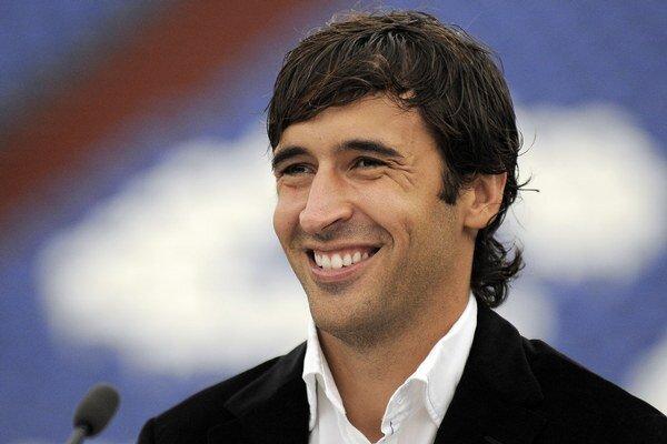 Raúl v roku 2010 po prestupe do Schalke.