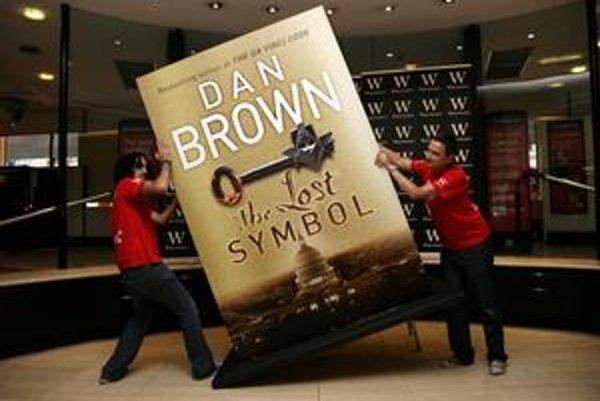 Takto robilo Brownovej knihe reklamu londýnske kníhkupectvo Waterstone's.