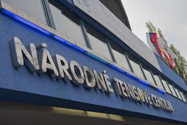 Na snímke vchod do NTC v Bratislave.