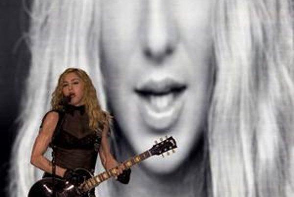Madonna počas koncertu v Tel Avive.