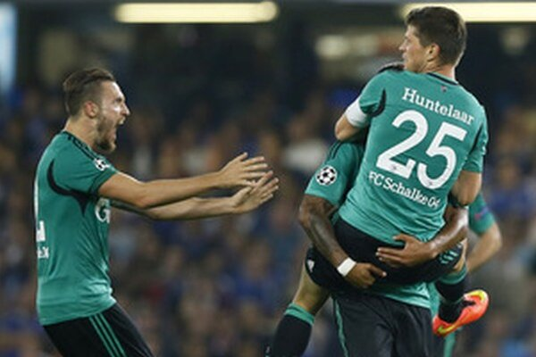 Huntelaar gólom pokoril Chelsea.