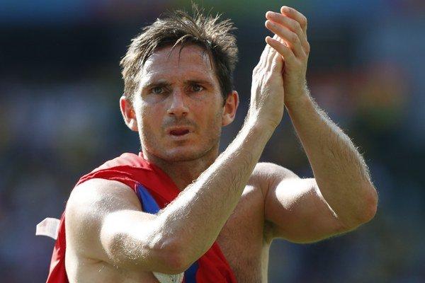Frank Lampard bol súčasťou neúspešného tímu Anglicka na MS v Brazílii.