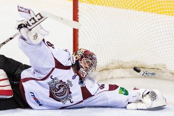 Chytal aj v KHL. Bývalý brankár Slovana bude jednotkou Košíc