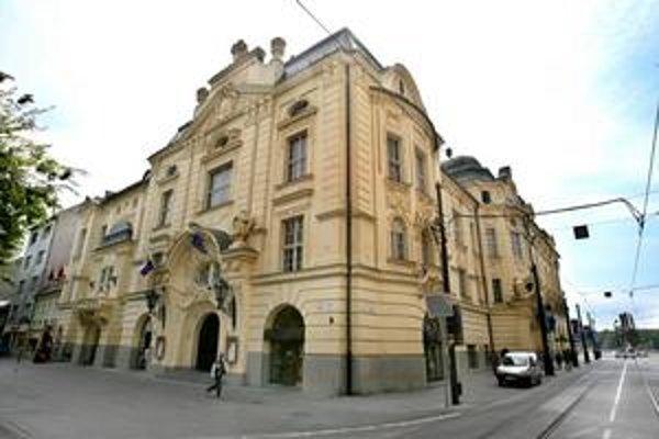 V budove Reduty Slovenská filharmónia fungovala od roku 1949. Teraz ju musí opustiť. Vráti sa tam najskôr o dva roky.