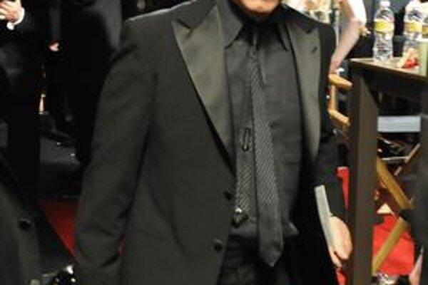 Prvého Oscara dostal Sean Penn za úlohu síce citlivého, ale stále macha v dráme Tajomná rieka. Tento rok ho dostal za postavu politika Milka, čo sa otvorene priznal, že je gay.
