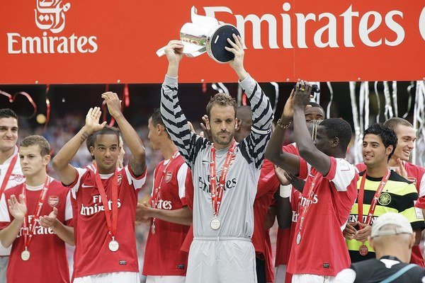 Manuel Almunia v drese Arsenalu v roku 2010.