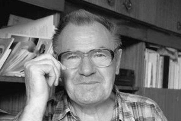 Milan Zelinka (1942), prozaik, básnik a esejista. Z kníh: Dych, Smädné srdce, Belasé ráno, Slamienky z Makova, Mechanici, Kvety ako drobný sneh, Povesť o strýkovi Kenderešovi, Havraní dvor, Krajina, Príbehy z Karpát, Teta Anula.