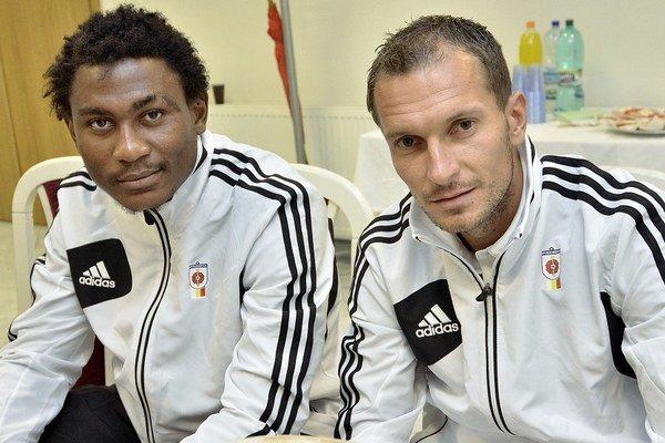 Tawamba (vľavo) a Zošák ešte ako hráči Ružomberka.